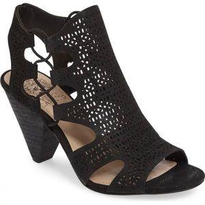 Vince Camuto 8 Eadon Cutout Sandal